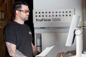 laser cutting technicians
